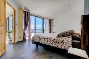 ma-terrasse-a-marseille-maison-piscine-vue-mer-13006-11