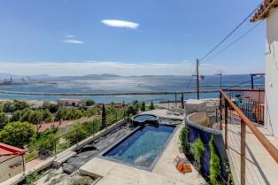 ma-terrasse-a-marseille-maison-piscine-vue-mer-13006-23